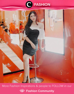 Off-shoulder dress for Saturday Night out, anyone? Inspired by Clozetter @ghinaaulia. Simak Fashion Update ala clozetters lainnya hari ini di Fashion Community. Yuk, share outfit favorit kamu bersama Clozette.