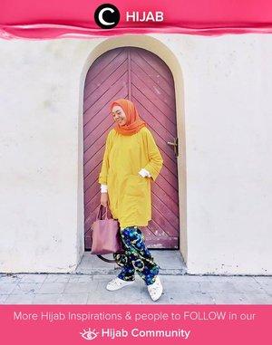 Clozetter @zilqiah puts all fresh colors in one look! Super playful! Simak inspirasi gaya Hijab dari para Clozetters hari ini di Hijab Community. Yuk, share juga gaya hijab andalan kamu.