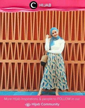 Clozette Crew @tria_dara adds a hint of refreshing turquoise in her total look! Simak inspirasi gaya Hijab dari para Clozetters hari ini di Hijab Community. Yuk, share juga gaya hijab andalan kamu.