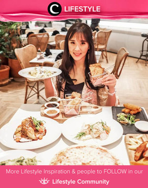 Throwback to those days when we could freely dine in without worry. Image shared by Clozette Ambassador @jessicasisy. Simak Lifestyle Update ala clozetters lainnya hari ini di Lifestyle Community. Yuk, share momen favoritmu bersama Clozette.