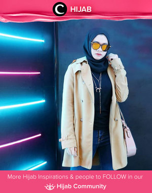 Neon and mirrored sunglasses are such a perfect combo! Simak inspirasi gaya Hijab dari para Clozetters hari ini di Hijab Community. Image shared by Clozetter @Gadzotica. Yuk, share juga gaya hijab andalan kamu.