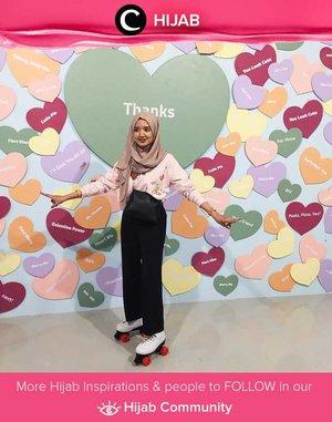 Posing for your HOTD with a playful background will always be a good idea. Simak inspirasi gaya Hijab dari para Clozetters hari ini di Hijab Community. Image shared by ClozetteCrew @dillafdiah. Yuk, share juga gaya hijab andalan kamu.