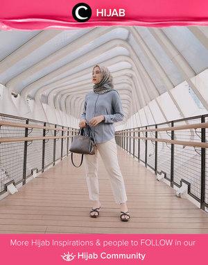 Weekend is here! Untuk tampilan santai yang elegan, kamu bisa meniru outfit Clozetter @nabilaaz yang memadupadan warna-warna netral dengan patterned hijab yang cantik. Simak inspirasi gaya Hijab dari para Clozetters hari ini di Hijab Community. Yuk, share juga gaya hijab andalan kamu.