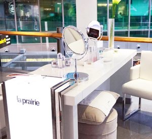 Throwback to last treatment from @laprairie at Shilla Beauty Loft @shilladutyfreesg Terminal 3 Changi Airport Singapore. Hope we can get the treatment once again! Kalian juga bisa merasakan treatment ini hingga 31 Desember 2016, lho.#ClozetteID #shilladutyfreesg #ShillaBeautyLoft