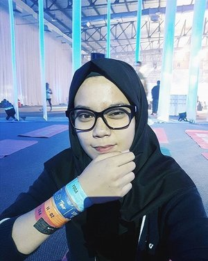 Sambil beristirahat di sela-sela sesi #NTCTourJakarta hari Sabtu lalu, Clozette Ambassador Ina nggak lupa untuk share happy selfie-nya, nih. #ForABetterMe in progress……. #BetterForIt #ClozetteID
