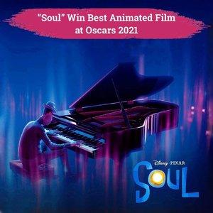 """Siapa yang sudah pernah nonton film animasi karya Disney Pixar, """"Soul""""? Film yang awalnya terinspirasi dari buah raspberry ini baru saja memenangkan penghargaan bergengsi Oscars untuk kategori Best Animated Feature, lho, Clozetters!  Film animasi pertama Pixar yang menampilkan tokoh kulit hitam sebagai pemeran utamanya ini berhasil mengalahkan Onward, Over the Moon, Shaun Sheep Movie, dan Wolfwalker. Nggak hanya itu, Soul juga berhasil membawa pulang piala lainnya untuk kategori Best Original Score. Bagi kamu yang sudah menontonnya, bagaimana pendapatmu mengenai film ini?✨  📷 @pixarsoul  #ClozetteID #disney #pixar #oscars #oscars2021 #soul"""