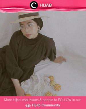 A vintage look inspiration by Clozette Ambassador @ladyulia. Simak inspirasi gaya Hijab dari para Clozetters hari ini di Hijab Community. Yuk, share juga gaya hijab andalan kamu.
