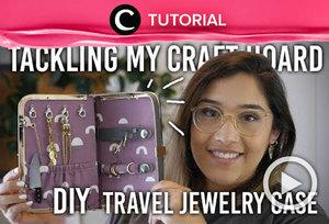 Agar aksesoris dan perhiasanmu tak rusak saat dibawa bepergian, kamu bisa membuat DIY jewelry case seperti ini: https://bit.ly/2X8JeUz. Video ini di-share kembali oleh Clozetter @kyriaa. Lihat juga tutorial lainnya pada Tutorial Section.