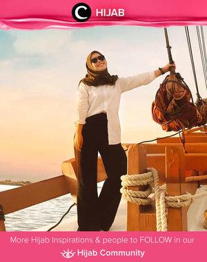 Classic white shirt is our Monday mood. What's yours, Clozetters? Image shared by Clozette Ambassador @fazkyazalicka. Simak inspirasi gaya Hijab dari para Clozetters hari ini di Hijab Community. Yuk, share juga gaya hijab andalan kamu.