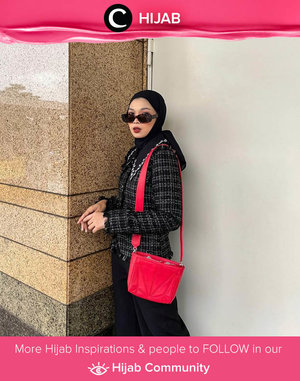 Black on black and pop up color. Image shared by Clozette Crew @astrityas. Simak inspirasi gaya Hijab dari para Clozetters hari ini di Hijab Community. Yuk, share juga gaya hijab andalan kamu.