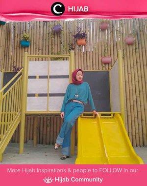 Clozetter @antyrudithanta wrapped in denim on denim! Simak inspirasi gaya Hijab dari para Clozetters hari ini di Hijab Community. Yuk, share juga gaya hijab andalan kamu.