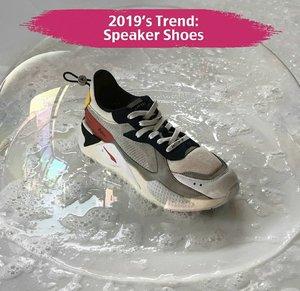 Swipe untuk mendengar bagaimana sneakers ini mengeluarkan suara. . Jangan mengaku sneakers fans jika belum mengenal sneakers yang dilengkapi built in speaker yang satu ini, Clozetters. Say hello to RS-X! Dibandrol dengan harga $155.65, sneakers ini dikeluarkan oleh brand asal Korea Selatan, @ader_error yang berkolaborasi dengan @puma untuk koleksi spring/summer 2019. . Sneakers with speakers, buy or bye? . 📷@ader_error #ClozetteID #AderError #AderErrorRSX #AderErrorxPuma