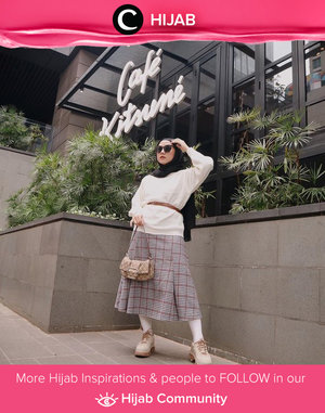 Wear your sweater in a more fashionable way! Kamu bisa mengintip gaya Clozetter @nabilaaz yang memadupadan sweater berwarna netral dengan skinny belt dan rok bermotif tartan. Simak inspirasi gaya Hijab dari para Clozetters hari ini di Hijab Community. Yuk, share juga gaya hijab andalan kamu.