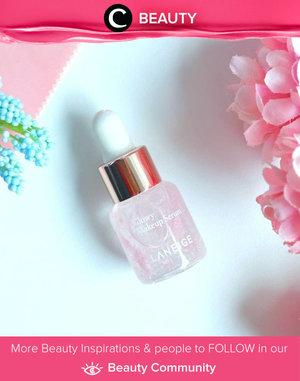 Salah satu produk Laneige yang direkomendasikan oleh Clozetter @Saycintya: Laneige Glowy Makeup Serum. Teksturnya yang sedikit lengket membuat makeup makin menempel dan menyatu pada kulit. Seperti namanya, serum ini memberikan efek glowy dan healhty skin bahkan hampir seharian. Simak Beauty Update ala clozetters lainnya hari ini di Beauty Community. Yuk, share produk favorit dan makeup look kamu bersama Clozette.