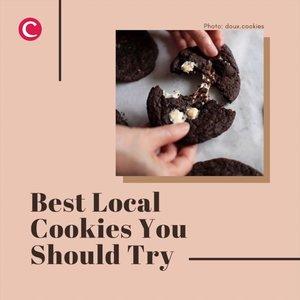 Cookies dengan lelehan coklat lumer di dalam, atau cookies dengan isi marshmallow kenyal? Apapun pilihan kamu, ada di rekomendasi 5 cookies berikut ini!.📷 @mookie.id @doux.cookies @buttera.id @popcookies.id @pastriella#ClozetteID #cookies #cookiesofinstagram