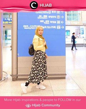 Travel in style versi Clozette Ambassador @mellarisya: bright colors and patterned fabric! Simak inspirasi gaya Hijab dari para Clozetters hari ini di Hijab Community. Yuk, share juga gaya hijab andalan kamu.