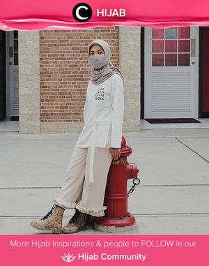 Clozetter @chyntiandarinie combining street style with modest look. Simak inspirasi gaya Hijab dari para Clozetters hari ini di Hijab Community. Yuk, share juga gaya hijab andalan kamu.