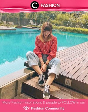 Walaupun berpotongan vintage, blouse seperti ini akan tetap terlihat up-to-date jika dipasangkan dengan jeans dan sneakers. Simak Fashion Update ala clozetters lainnya hari ini di Fashion Community. Image shared by Star Clozetter @japobs. Yuk, share outfit favorit kamu bersama Clozette.