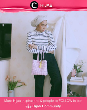 Steal this casual look from Clozette Ambassador @Ladyulia: striped tee and straight pants, don't forget to put your cute bag for the statement. Simak inspirasi gaya Hijab dari para Clozetters hari ini di Hijab Community. Yuk, share juga gaya hijab andalan kamu.