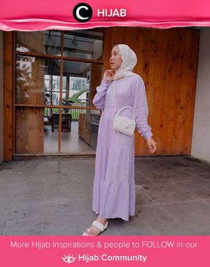 Clozetter @nabilaaz in lilac and white. Simak inspirasi gaya Hijab dari para Clozetters hari ini di Hijab Community. Yuk, share juga gaya hijab andalan kamu.