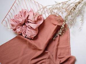 10 Warna Hijab untuk Pemula, Bisa Bikin Wajah Cerah!