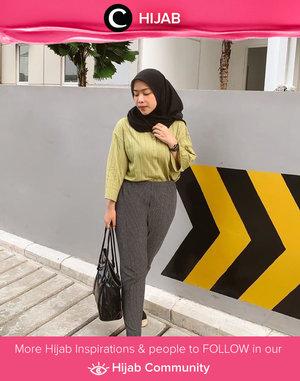 Monday in muted lime green outfit ala Clozette Ambassador @FAZKYAZALICKA. Simak inspirasi gaya Hijab dari para Clozetters hari ini di Hijab Community. Yuk, share juga gaya hijab andalan kamu.