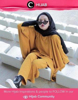Pilih warna apa untuk outfitmu pagi ini, Clozetters? Berani tiru gaya Clozette Ambassador @karinaorin dengan outfit mustard-nya? Simak inspirasi gaya Hijab dari para Clozetters hari ini di Hijab Community. Yuk, share juga gaya hijab andalan kamu.