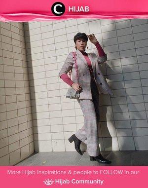 Add a hint of pink for #pinktober like Clozette Ambassador @ladyulia. Simak inspirasi gaya Hijab dari para Clozetters hari ini di Hijab Community. Yuk, share juga gaya hijab andalan kamu.