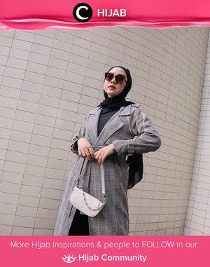 Monochrome outfit idea by Clozetter @nabilaaz. Simak inspirasi gaya Hijab dari para Clozetters hari ini di Hijab Community. Yuk, share juga gaya hijab andalan kamu.