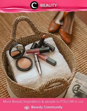 Untuk kamu yang sedang mencari makeup halal, bisa mencoba brand kecantikan baru asal Turki ini. Lini kosmetik pertama Note Cosmetics yang terdiri dari bronzer, mascara, lipstick, dan lipgloss ini mempunyai shade yang cocok untuk semua tone warna kulit Asia. Harganya pun cukup afoordable untuk makeup berkualitas sangat baik seperti ini. Image shared by Clozette Ambasador @Yanitasya. Simak Beauty Update ala clozetters lainnya hari ini di Beauty Community. Yuk, share produk favorit dan makeup look kamu bersama Clozette.
