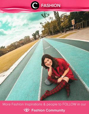 Clozette Ambassador @wulanwu menambahkan statement untuk keseluruhan look-nya dengan sepatu boots tartan berwarna merah. Simak Fashion Update ala clozetters lainnya hari ini di Fashion Community. Yuk, share outfit favorit kamu bersama Clozette.