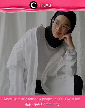 Oversized shirt layering ala Clozette Ambassador @karinaorin. Simak inspirasi gaya Hijab dari para Clozetters hari ini di Hijab Community. Yuk, share juga gaya hijab andalan kamu.
