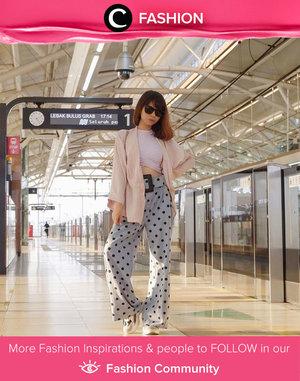 Siapa yang rindu tampil stylish ketika naik MRT seperti Clozetter @isnadani? Simak Fashion Update ala clozetters lainnya hari ini di Fashion Community. Yuk, share outfit favorit kamu bersama Clozette.