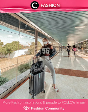 Clozette Ambassador @lidyaagustin01 nailed her airport fashion with comfy outfit like sleeveless tee, jogger pants, outer, and of course a pair of sandals. Simak Fashion Update ala clozetters lainnya hari ini di Fashion Community. Yuk, share outfit favorit kamu bersama Clozette.