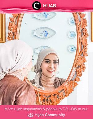 Weekend in style ala Clozetter @dwina. Braided hijab + hoop earrings are the key! Simak inspirasi gaya Hijab dari para Clozetters hari ini di Hijab Community. Yuk, share juga gaya hijab andalan kamu.