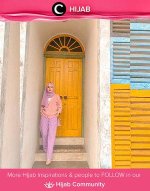 Yes to this pastel on pastel pairing ala Clozetter @she_wian! Simak inspirasi gaya Hijab dari para Clozetters hari ini di Hijab Community. Yuk, share juga gaya hijab andalan kamu.