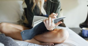 These Quick and Easy Journaling Prompts Help to Soothe Daily Anxieties