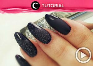 Sedang mencari inspirasi nail art yang elegan? Yuk, tiru nail art dalam video ini. Tonton tutorialnya di: http://bit.ly/2mzQwhP . Video ini di-share kembali oleh Clozetter @kyriaa. Cek Tutorial Updates lainnya pada Tutorial Section.