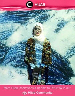 Tampil stylish ketika mudik tak ada salahnya, lho. Coba tiru gaya Clozette Ambassador @Eldapitaloka dengan loose outer, blouse dan jeans. Simak inspirasi gaya Hijab dari para Clozetters hari ini di Hijab Community. Yuk, share juga gaya hijab andalan kamu.