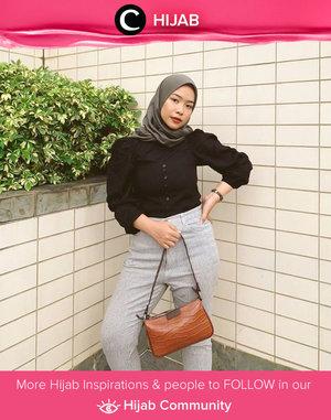 Clozette Ambassador @FAZKYAZALICKA wrapped in Alene Official black blouse to start the day. Simak inspirasi gaya Hijab dari para Clozetters hari ini di Hijab Community. Yuk, share juga gaya hijab andalan kamu.