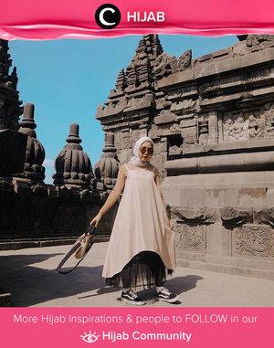 Travel in style ala Clozetter @nabilaaz with overall dress and tutu skirt. Enjoy your weekend, Clozetters! Simak inspirasi gaya Hijab dari para Clozetters hari ini di Hijab Community. Yuk, share juga gaya hijab andalan kamu.