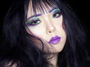 HULK SMASH! 💜💚💜💚 . . Steal The Look : The Hulk 💪 Hulk memang hadir dengan perawakan yang kuat dan terlihat menyeramkan. Namun siapa bilang Hulk selalu tampak seram? Steal the look pake color-tone The Hulk will make you look so badass gals! . . . . . . . . . . #BeautyBlogger #Blogger #ART #ARTist #Beauty#beautystagram#モデル#メイク#ヘアアレンジ#オシャレ#メイク#instaphoto#makeup #lady#instagram#style#girl#beauty#kawaii#ファッション#コーディ#ガール#clozetteID#かわいい