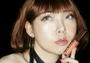 My favourite lip product from @sorchacosmetic , Lipglow Series #Mare..Sorcha mengeluarkan Lipglow series yang terinspirasi dari berbagai pulau di Indonesia dan akhirnya menjadi nama untuk ke-6 shade nya seperti : Rote, Mare, Nias, Alor, Moyo dan Molana..Teksturnya seperti lipgloss dengan hasil akhir glossy namun sheer yang bisa digunakan untuk lip topper, or day & night makeup..My favourite one : Mare! Warnanya Sheer with a touch of orange dan sedikit glittery, dengan finishing glossy dan tidak berat di bibir💋.... #Sorcha #Sorchacosmetics #BeautyBlogger  #BeautyVlogger #clozetteid  #BeautyBloggerID #Makeup #Cosmetics #Cosmetic #BeautyBloggerIndonesia #style #Blogger #Blog #Beauty #Cute #girls #Japanesemakeup #Kawaiimakeup #fashion #メイク#ヘアアレンジ#makeup #style#kawaii#ファッション#かわいい