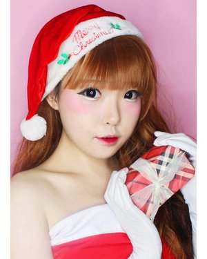 """Last year, For months I yearned to see Santa again, mooning for him like a lost love. Then, on Christmas Eve, I was awakened by someone shaking me in my bed. """"Ho! Ho! Ho!"""" a voice said out of the darkness. I felt the giggles rising up. """"But that's another story..."""" . . . . . . . . . #サンタ #サンタクロース #クリスマス#makeupoftheday #fashion  #Beauty#beautystagram#モデル#メイク#ヘアアレンジ#オシャレ#メイク#instaphoto  #makeup #lady #instagram #christmas #santa  #santaclaus #instastyle#girl#beauty#kawaii#コーディネート#ファッション#コーディ#ガール #clozetteID #かわいい #可愛い"""
