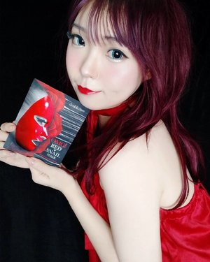 ❤ RED & BLACK DETECTED 🖤.This is the most unique mask that i ever find. The packaging just captivated my heart. Red & black is my true colour, i often colour my hair half red & black too ❤🖤 my fashion style never too far from these pretty combination..How about the performance?🖤 Red + snail formula for skin redness, sensitive skin, unpredictable skin condition & oil sebum trouble.❤ Restore sensitive skin to normal from external stimulus. One step solution for skin recovery. Giving ful of moisture and nutrition.🖤 Red Medicine Mask for Hydration - Skin Tranquilizer for skin stress - Real red mask for sensitive skin - Red energy care for skin recovery.❤ One-Step solution with 8 Red ingredients to improve and help skin with hydration and red nutrition for tightening (Hydration, Sebum Control, Soothing, Nutriment, Nourishing, Tightening).🖤 Sticky red sheet but softly absorbs the snail secretion. A perfect coordination with snail secretion serum, containts full of nutrition serum in every sheet, high enriched formula with perfect absorption..Omg! Red Snail Mask [5ea] for deep hydrating + firming just perfect to keep my skin healthy. Support my skin to be in the best condition. .Try this mask and get a special discount from me! Save IDR 44.000 (Rp 332.000 👉 Rp 288.000) Using AIYUKI8's Exclusive Offers through :hicharis.net/AIYUKI/Mb7..@hicharis_official @charis_celeb #Charis #CharisCeleb #KoreanBeauty#maskpack #doubledare #redsnailmask #hicharis #skincare #BeautyBlogger #BeautyVlogger #clozetteid #Makeup #Blogger #Cosmetics #style #Blog #Beauty #girls #kawaii#IndonesianBeautyBlogger #Healthyskin