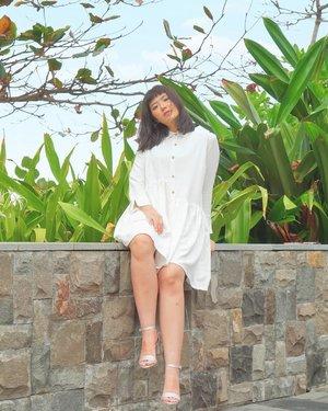 "Here I present to you the ""Tumben Foto Owowteydey"" photo 💕 . . . . . . . . . . #ivgbeauty #indobeautygram #makeuptutorial #wakeupandmakeup #undiscovered_muas  @tampilcantik #tampilcantik #ClozetteID #tutorialmakeup #ragamkecantikan @ragam_kecantikan #inspirasicantikmu @zonamakeup.id @makeup.tutorial.asian #indovidgram @indovidgram"