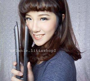 Mi luvs Amara 2n1 from @MELANIE_LITTLESHOP2 🙆💕 . Even tho ini flat iron tapi bisa untuk curl rambut juga lho. Bahkan enak banget untuk catok poni dan hasilnya tahan seharian tanpa hair spray 👍👍❤❤❤