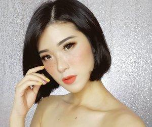 "Trying out this filter of @lakmemakeup called ""GOLDEN HOUR"" at Make Up Plus app! Super pretty it makes me looks sexy 😍😍😍 You should definitely try this too girls! @meydianasari @windyanartipresta @rindurahmani . #lakme9to5 #alldaynotouchup #MplusXLakme9to5 #instanglam . . . . . . . . . #ivgbeauty #indobeautygram #makeuptutorial #makeup #wakeupandmakeup #undiscovered_muas #indobeautyblogger  #beautybloggerindonesia @tampilcantik #tampilcantik #ClozetteID  #ibv #tutorialmakeup #ragamkecantikan @ragam_kecantikan #inspirasicantikmu @zonamakeup.id"
