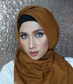 Dont compare your life to others. Theres no comparison between the sun and the moon. They shine when its their time. #makeup #beauty #clozetteid #kbbv #motd #hijaabi #lifequotes