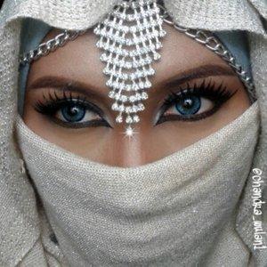 #fotdibb #arabicmakeup #arabicQueen #hijaabi #hijaab #silver #anastasiabeverlyhills #vegas_nay #maya_mia_y #mayamiamakeup #dressyourface #lookamillion #maryammaquillage #hudabeauty #neztheartist #zukreat #clozetteID #makeup #beauty #landofmakeup #theamazingworldofj #hijaab #makeupbychristiaa #makeupwithammy #rfadai